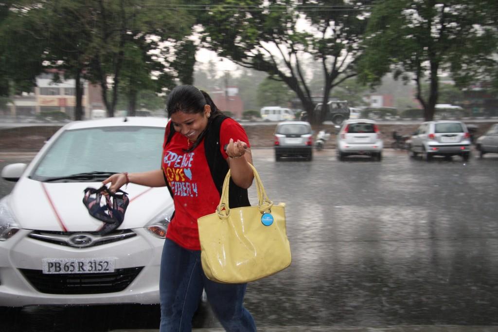 Cueblocks Team Enjoying Rain